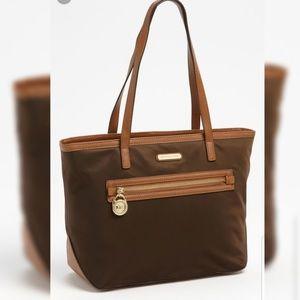 38a22f84615c Women's Michael Kors Kempton Handbag on Poshmark